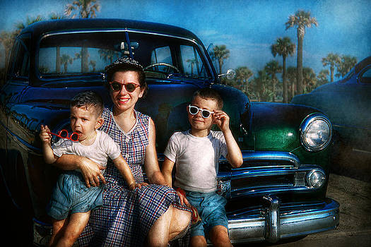 Mike Savad - Americana - Car - The classic American vacation