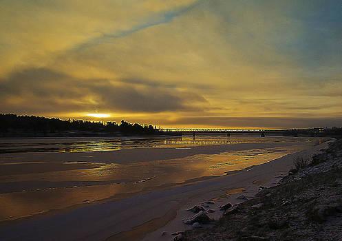 Arctic sunrise by Stephanie Benjamin