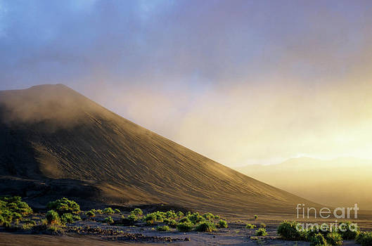 Sami Sarkis - Ash plains around Mount Yasur at sunset