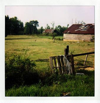 Barn- La Hwy 145 by Doug  Duffey