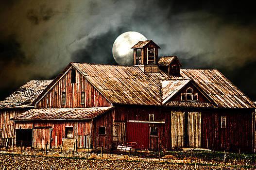 Randall Branham - Barn under the moon