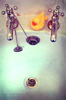 Bath Time Memories by Riot Photography