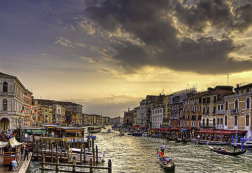 Beautiful Rialto by Jose Vazquez
