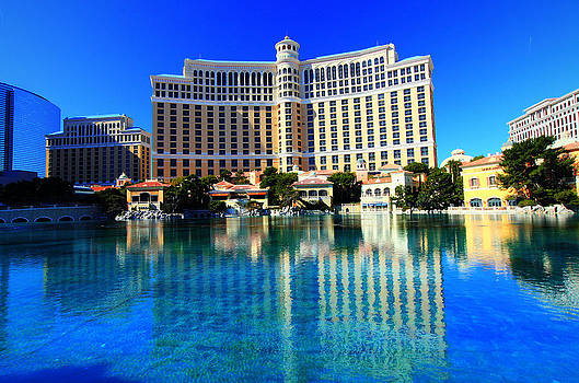 Bellagio Waters by Linda Edgecomb