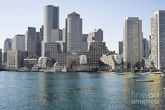 Boston skyline by Darwin Lopez