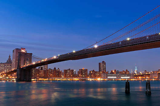 Brooklyn Bridge and Manhattan  by Lucas Tatagiba