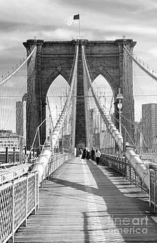 Chuck Kuhn - Brooklyn Bridge BW