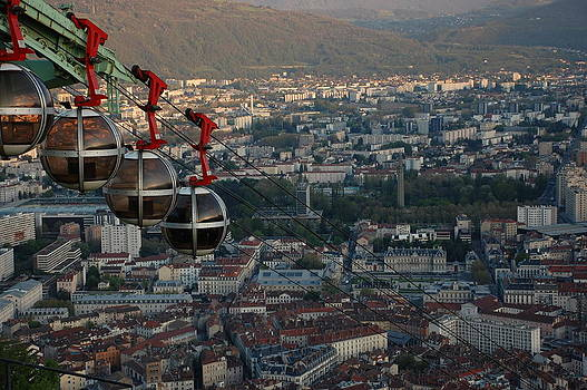 Cable car in Grenoble  by Dany Lison