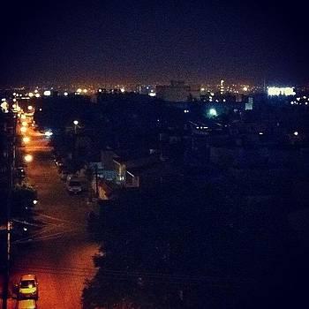 #calle #hotel #abastos #noche by Fernando Barroso