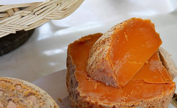 TONY GRIDER - Cheddar Cheese in Paris