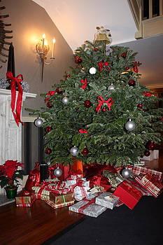 Yvonne Ayoub - Christmas Tree
