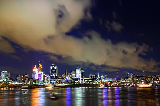 Randall Branham - Cincinnati skyscrapers touch clouds
