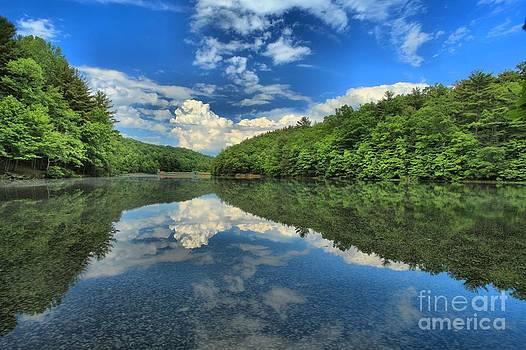 Adam Jewell - Clouds In The Lake