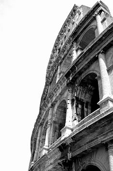 Colosseum by Ama Arnesen