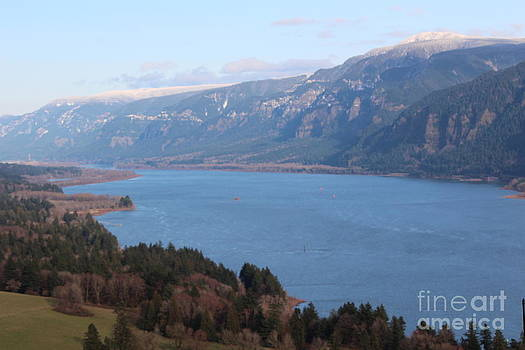 Columbia River Gorge by Ronnie Black