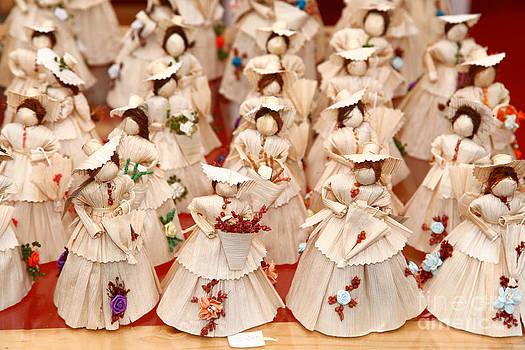 Gaspar Avila - Corn husk dolls