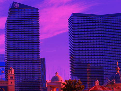 Cosmopolitan Sunset by Linda Edgecomb