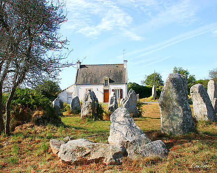 Diana Haronis - Cottage with Standing Stones