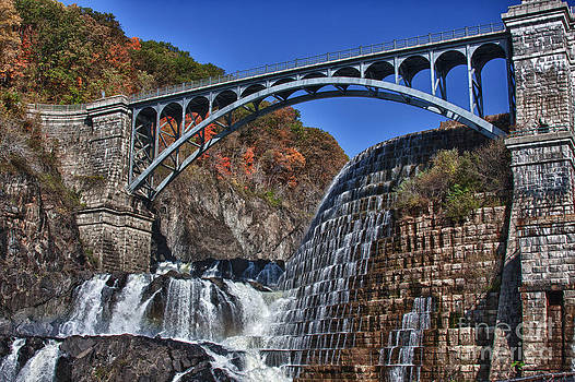 Croton Gorge Dam Spillover waterfall autumn picture by Robert Wirth