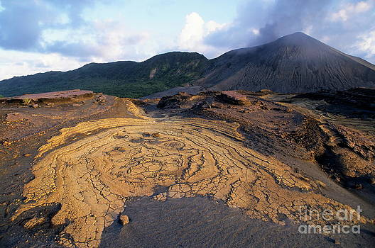 Sami Sarkis - Crusts and ashes around Mount Yasur volcano