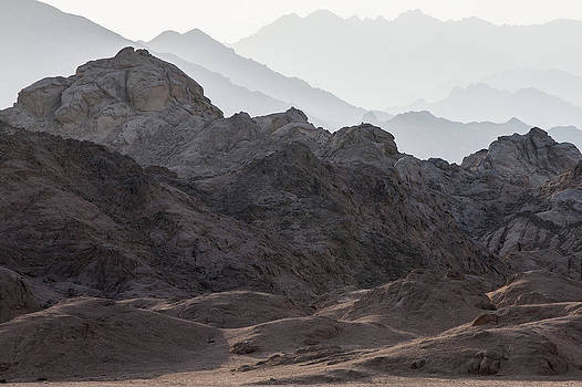 Desert mountains by Frits Selier