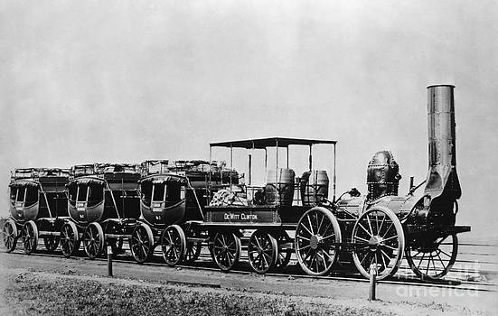 Omikron - Dewitt Clinton Locomotive and Cars