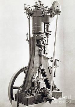 Science Source - Diesel Engine