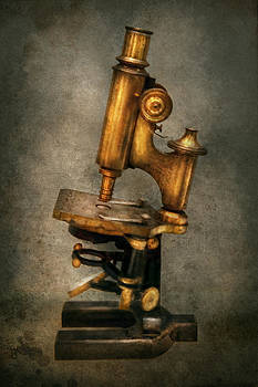 Mike Savad - Doctor - Microscope -  The start of modern science