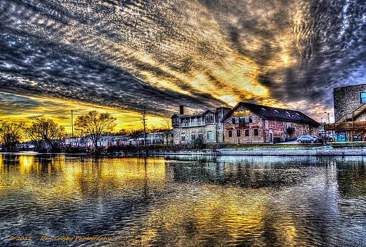 Dusk on the Fox River by Dan Crosby