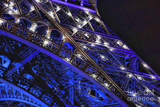 Chuck Kuhn - Eiffel Close Up