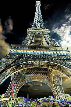 Chuck Kuhn - Eiffel HD V