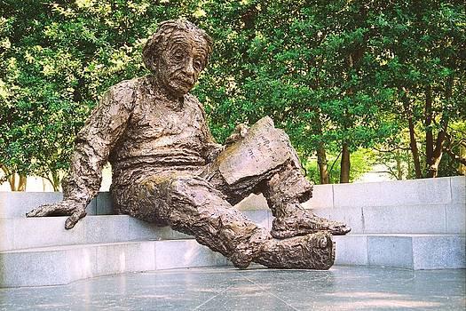 Einstein Statue by Claude Taylor