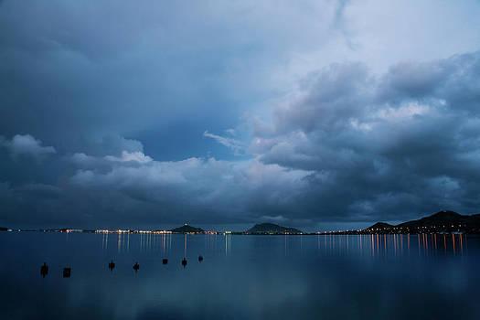 Charmian Vistaunet - Evening at Kaneohe Bay