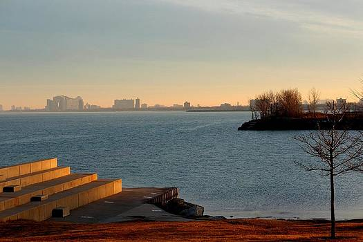 Rosanne Jordan - Eveningtime on Lake Michigan