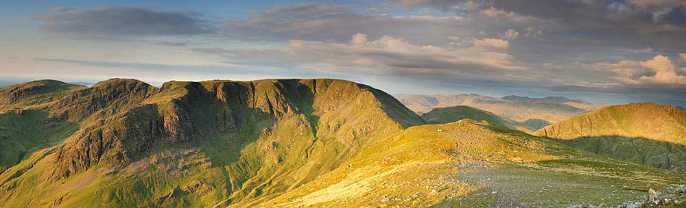 Fairfield from St Sunday Crag by Stewart Smith