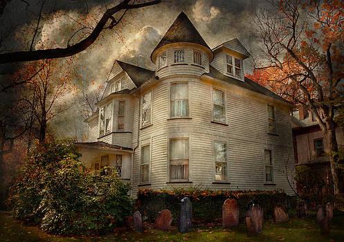 Mike Savad - Fantasy - Haunted - The Caretakers House