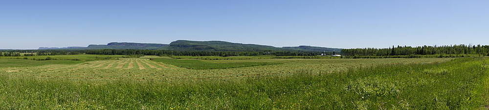 Farmland Panorama by Tingy Wende