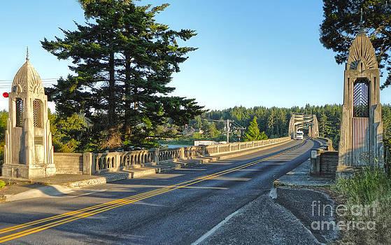 Gregory Dyer - Florence Oregon - Art Deco Bridge - 02
