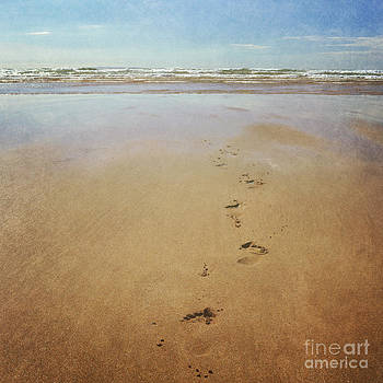 Footprints in the sand by Lyn Randle