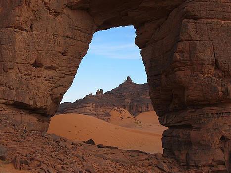 Forzhaga Arch, Tadrart Acacus, Libya by Joe & Clair Carnegie / Libyan Soup