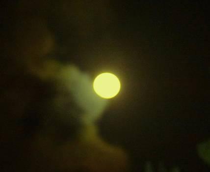Xafira Mendonsa - Full Moon