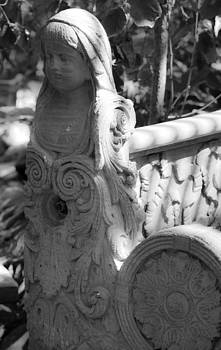 Teresa Mucha - Garden Bench