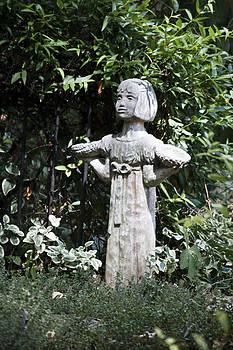 Teresa Mucha - Garden Statuary