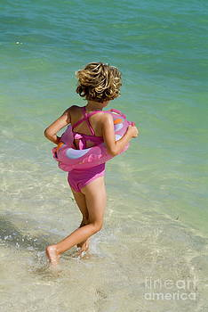 Sami Sarkis - Girl running into water on beach