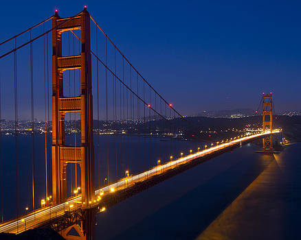 Golden Gate Bridge at Night by Orlando Guiang