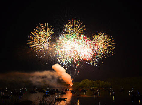 Grand Finale of Fireworks Over The Lake by Sandi OReilly