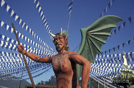 John  Mitchell - Guatemala Winged Devil