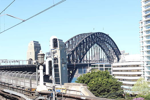 Harbour Bridge from station by Allen Jiang