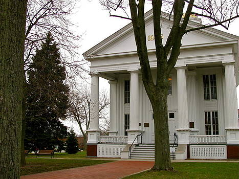 Historic Courthouse by Rhonda Jones