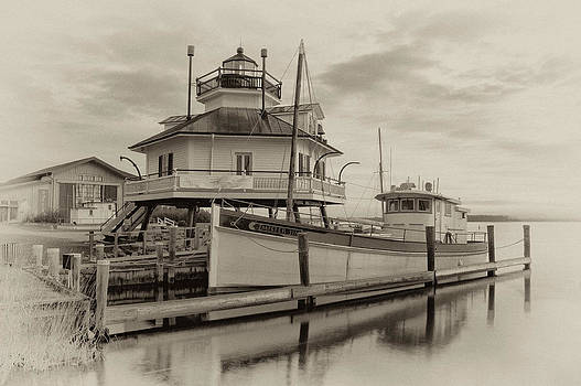 Hooper Strait Lighthouse by Daniel Sands